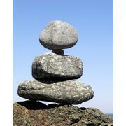 60f518b73fe06_drei Steine_Balance.jpg